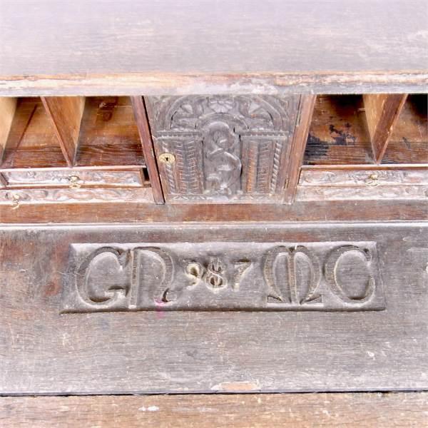 An unusual Victorian oak four drawer bureaux. - Image 2