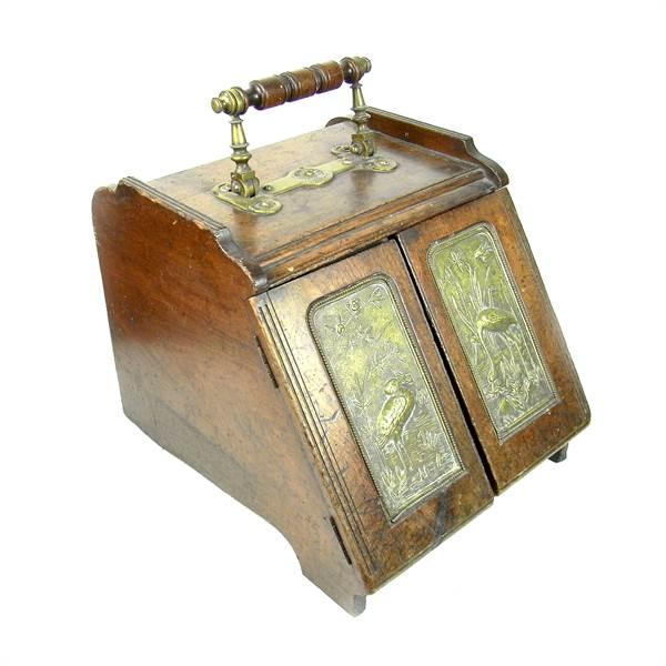 A late Victorian coal scuttle. - Image 1