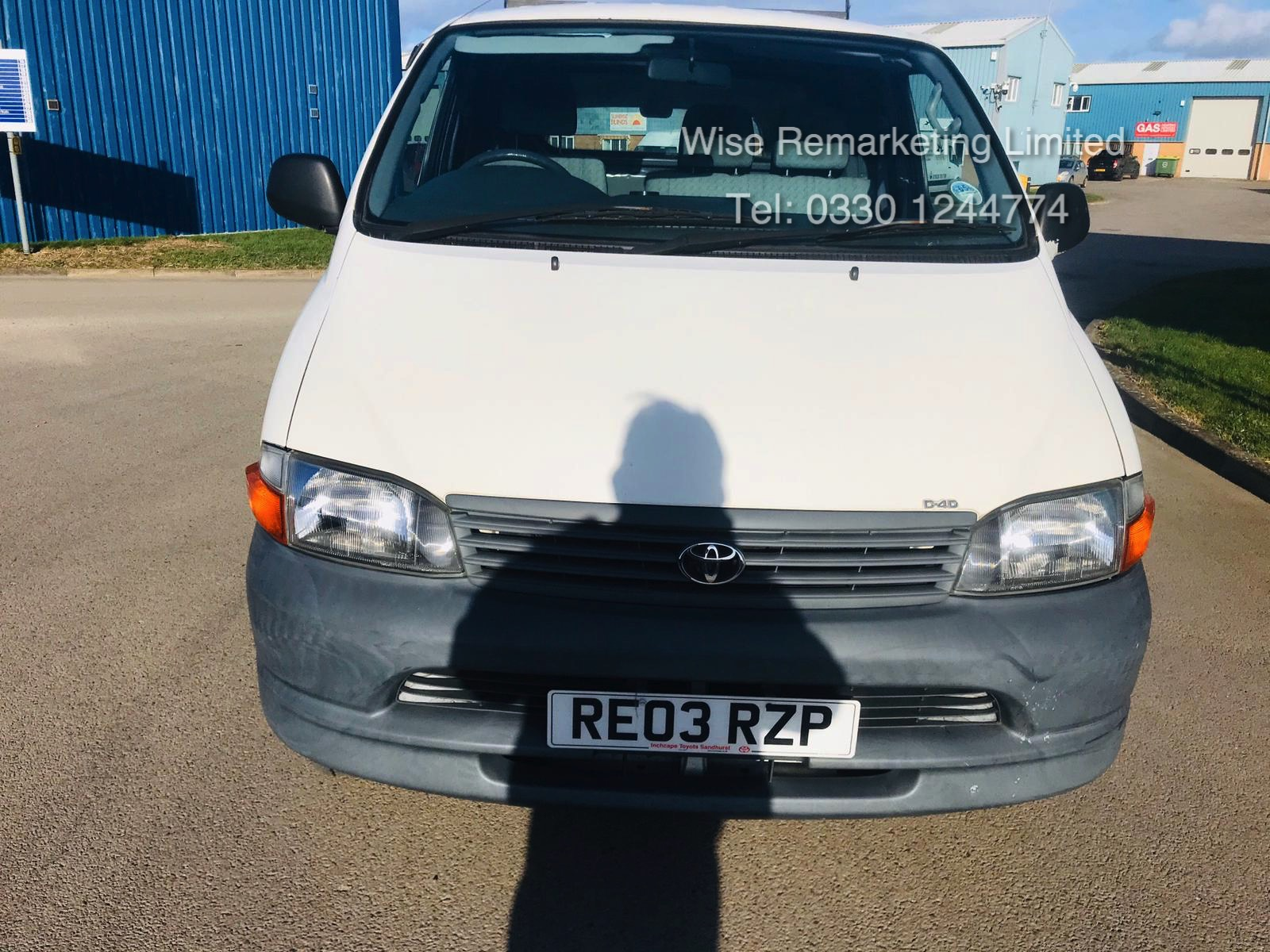 Toyota Hiace 300 GS 2.5 D4D - 2003 03 Reg - 1 Keeper From New - 3 Seater - Roof Rack - Image 4 of 15