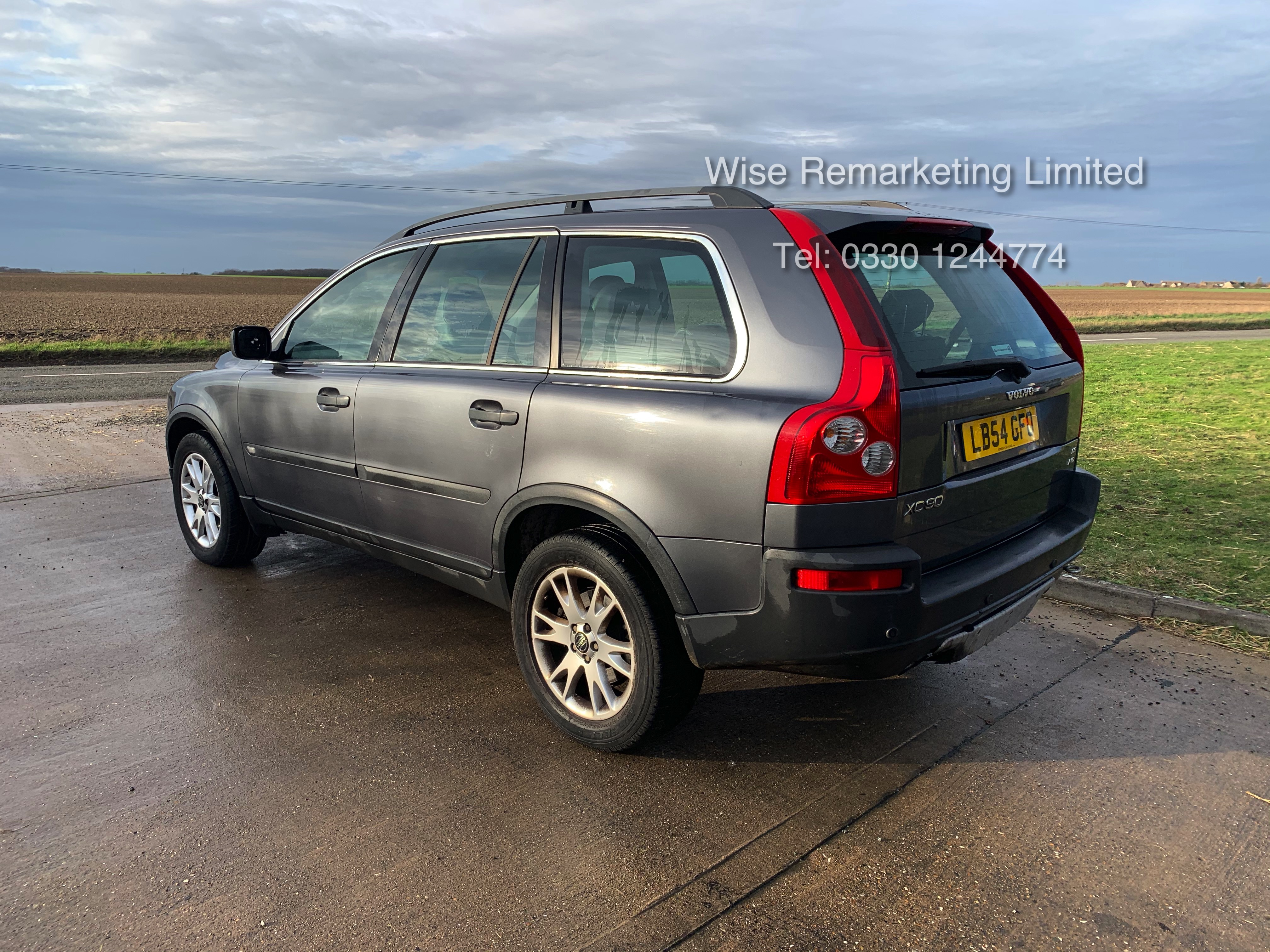 Volvo XC90 D5 2.4 Special Equipment Auto - 2005 Model - 7 Seater - Full Leather - - Image 6 of 21