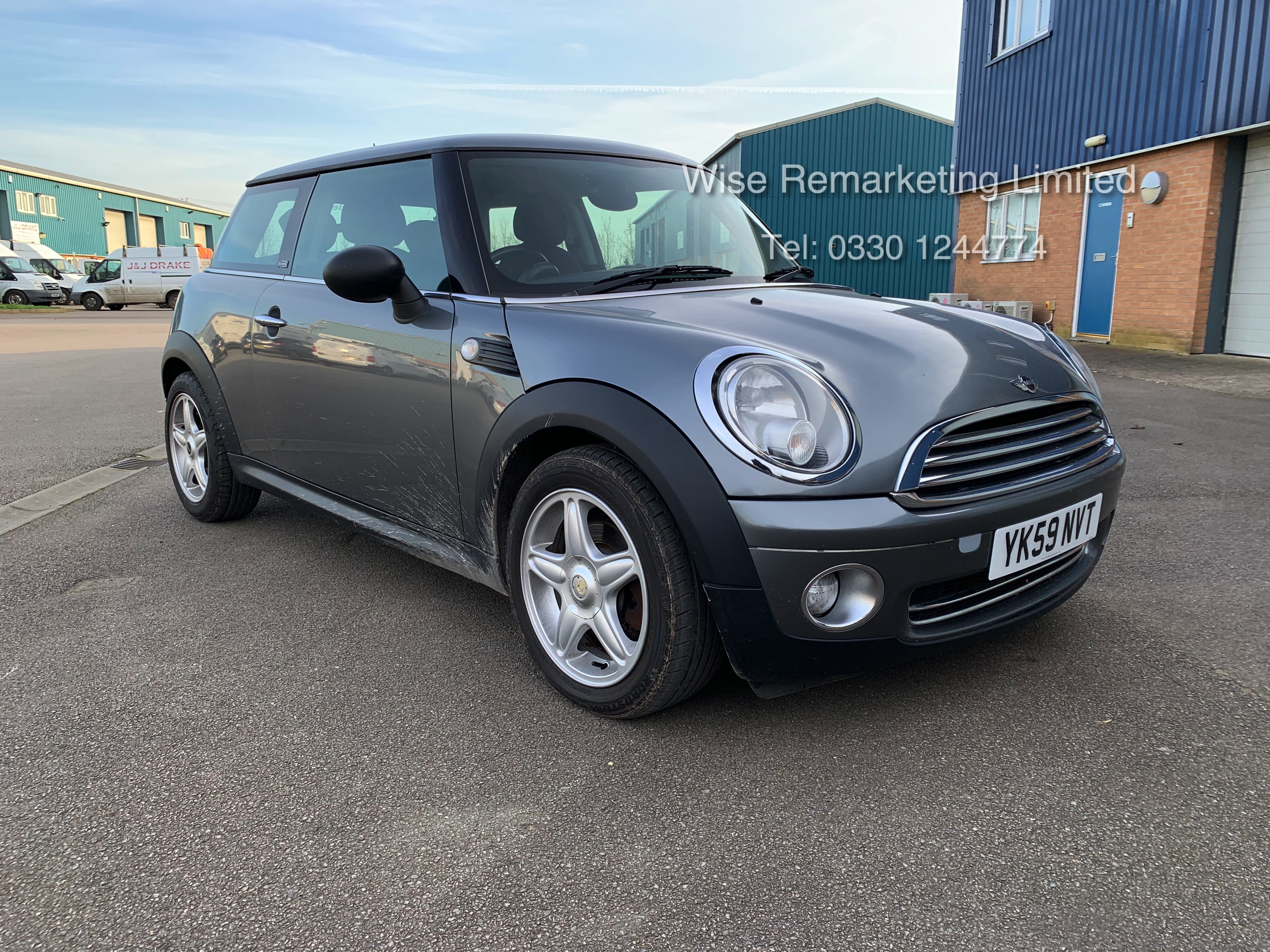 (RESERVE MET) Mini One Graphite 1.4 Petrol - 2010 Model - Service History - 6 Speed - Air Con -