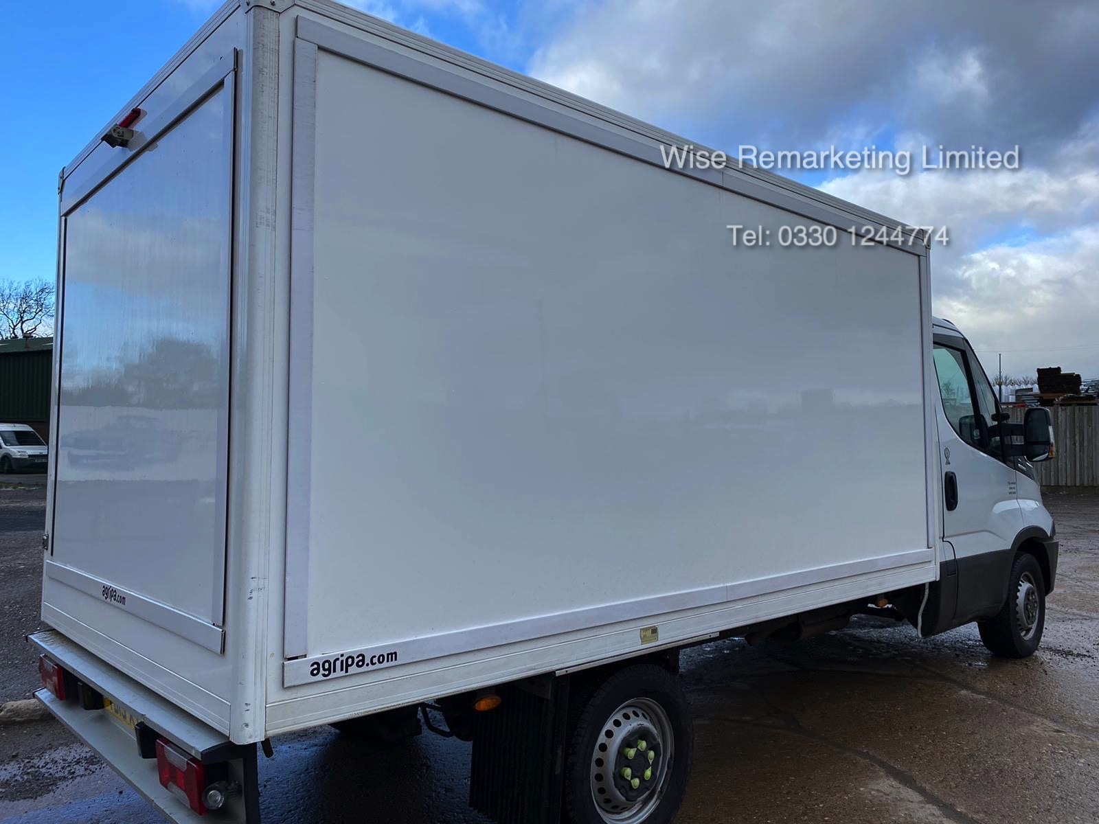 (RESERVE MET) Iveco Daily 35S11 2.3 TD Fridge/Freezer Box Van - 6 Speed - 2015 15 Reg - Image 3 of 17
