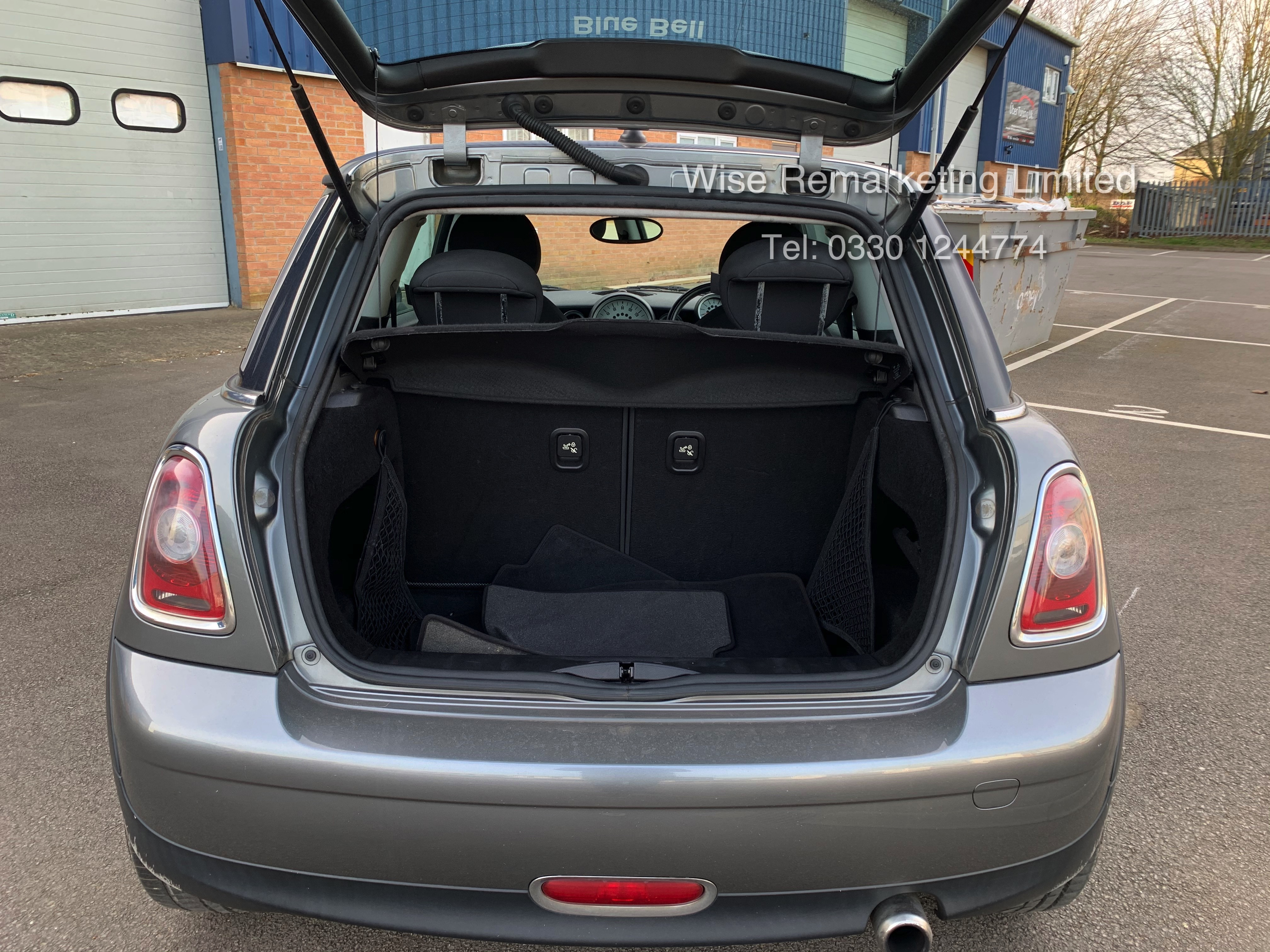 (RESERVE MET) Mini One Graphite 1.4 Petrol - 2010 Model - Service History - 6 Speed - Air Con - - Image 7 of 19