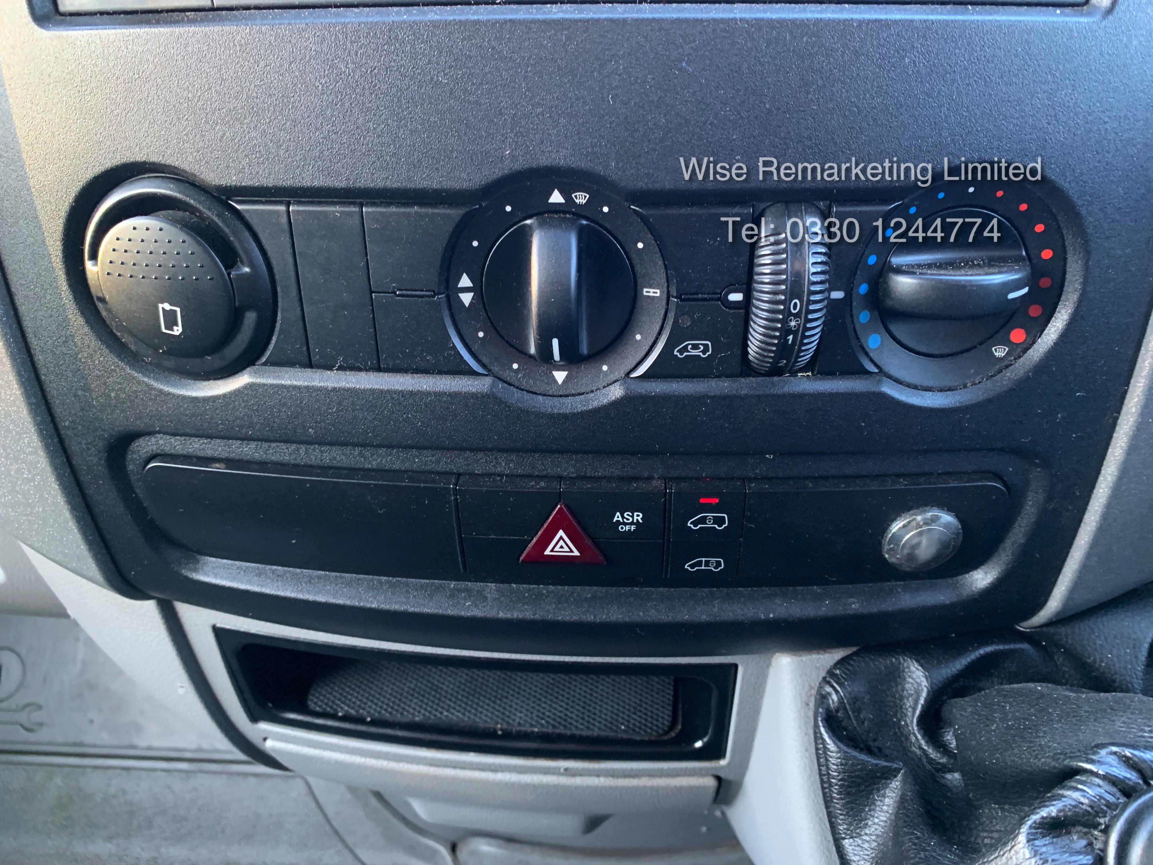 (RESERVE MET) Mercedes Sprinter 316 2.1 CDI Long Wheel Base High Roof Van - 2014 Model - 1 Owner - Image 14 of 19