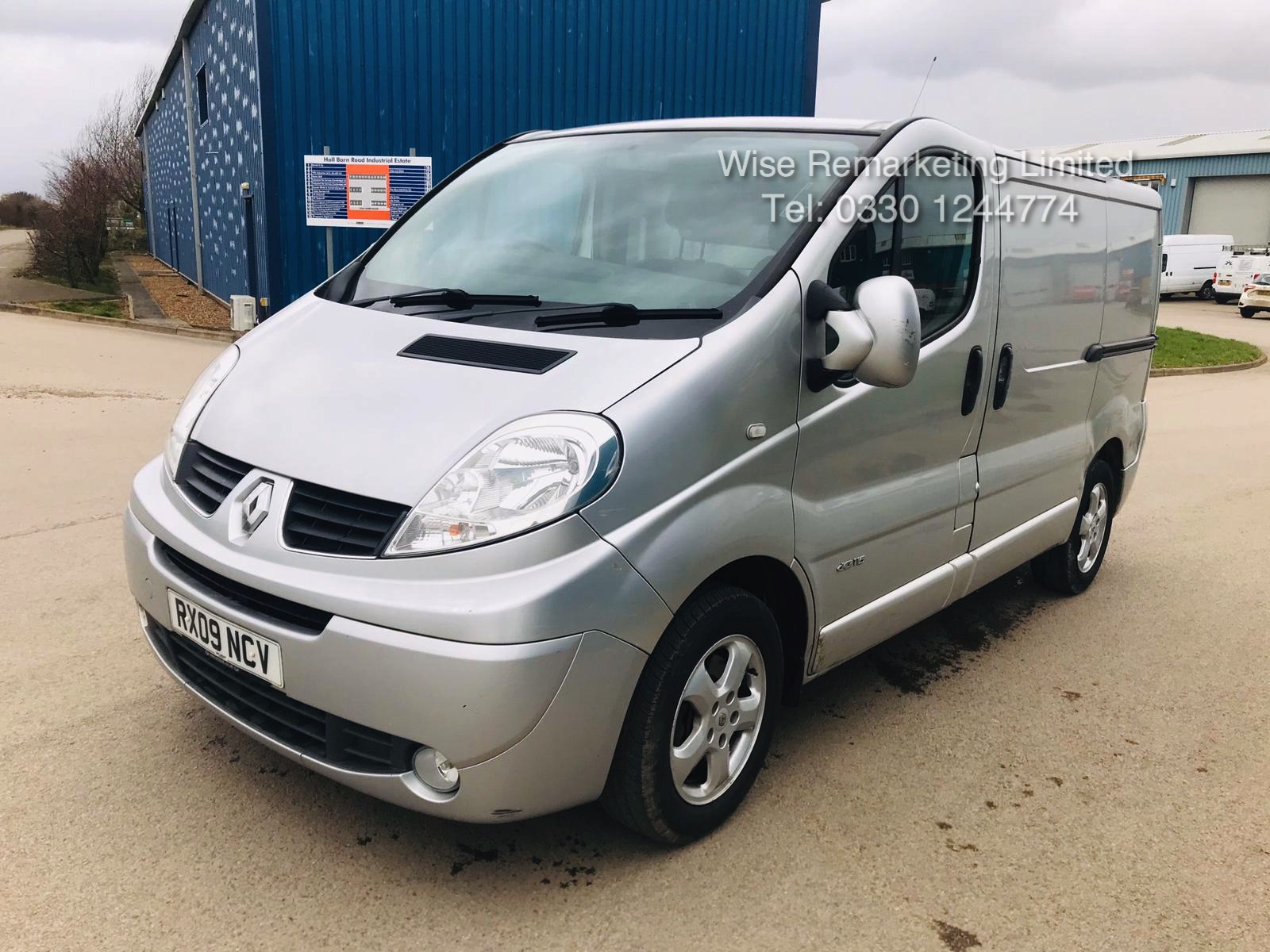 Renault Trafic Sport 2.0 DCI (115 BHP) **Automatic** - 2009 09 Reg - Air Con - Ply lined - Image 3 of 16