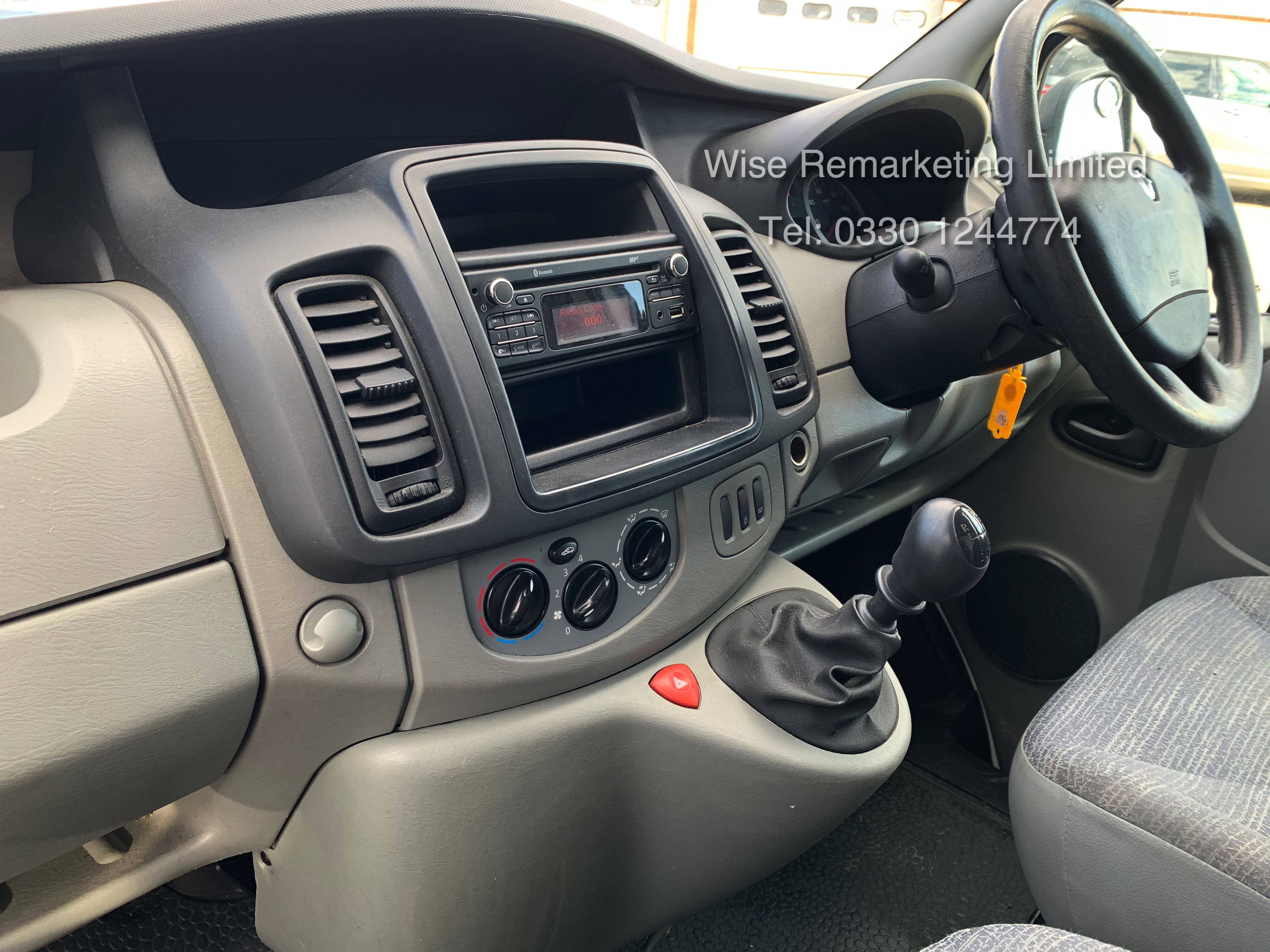 Renault Trafic 2.0 DCI (115 BHP) - 6 Speed - 2014 Reg - Ply Lined - - Image 15 of 21