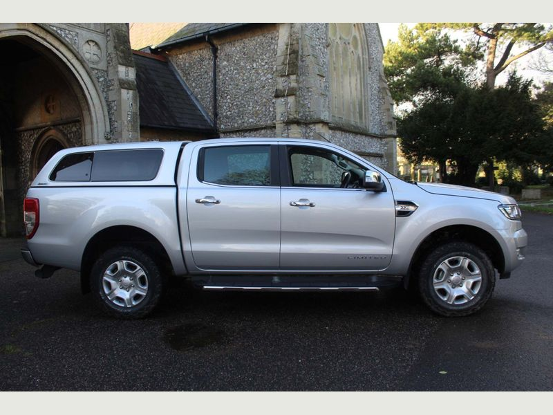 Ford Ranger 2.2 TDCI XLT Edition Double Cab - 2018 Model - 1 Owner From New - Service History - 4x4 - Image 2 of 12