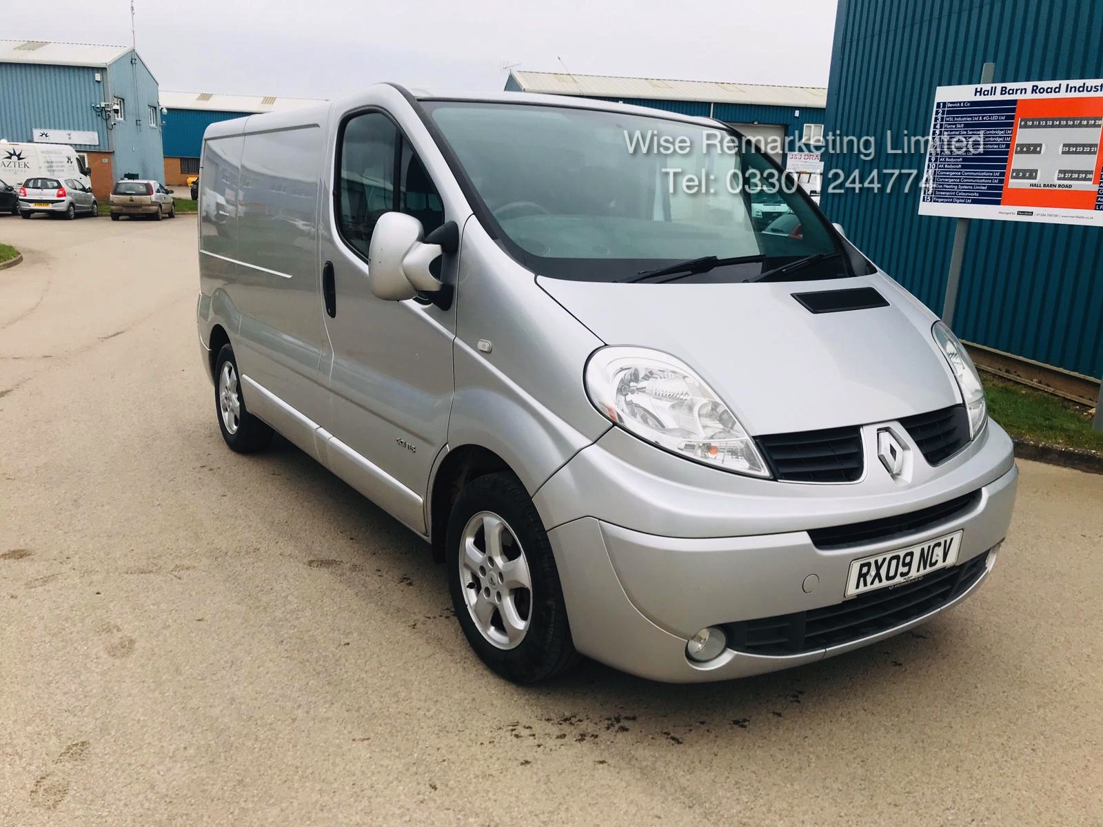 Renault Trafic Sport 2.0 DCI (115 BHP) **Automatic** - 2009 09 Reg - Air Con - Ply lined