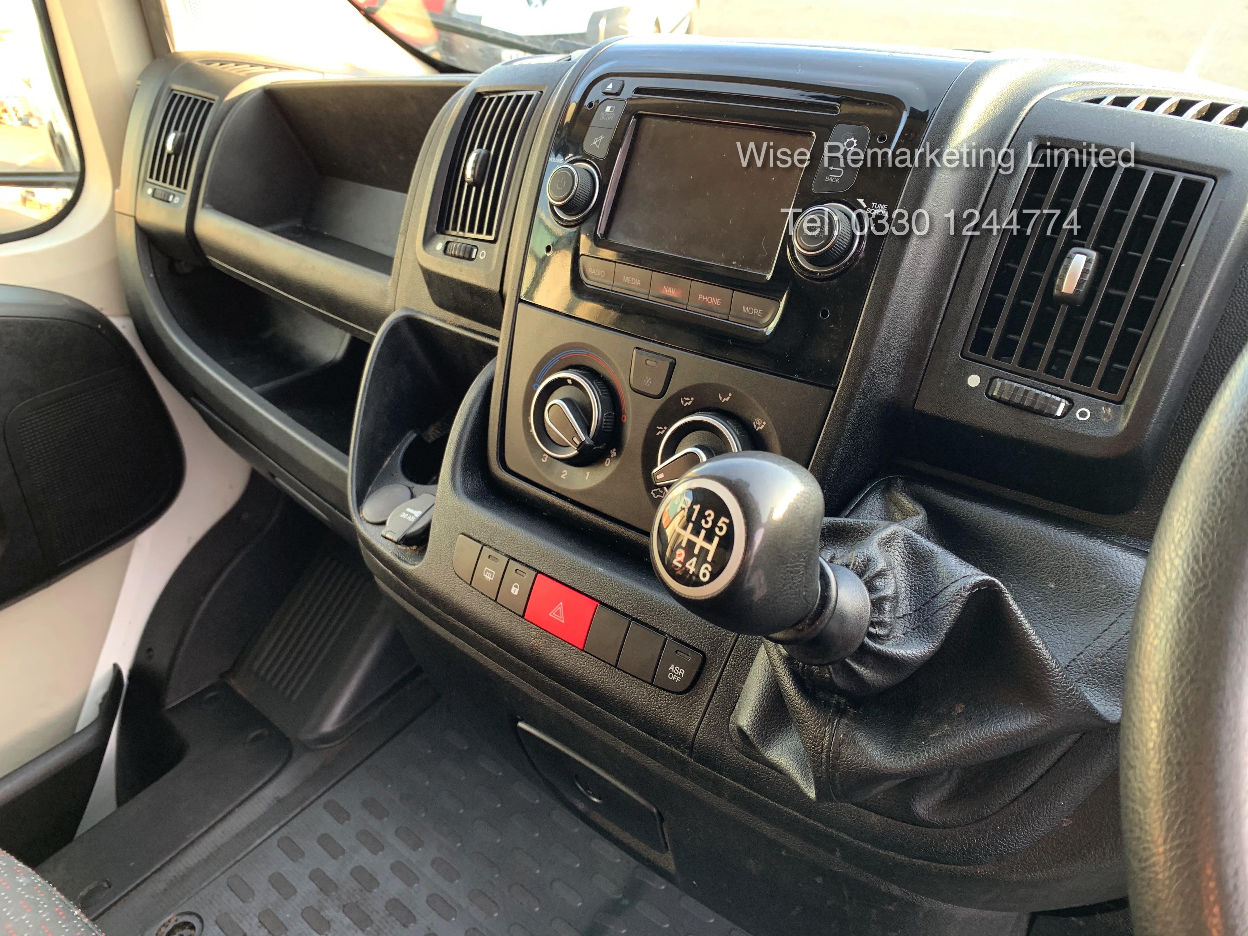 (RESERVE MET) Peugeot Boxer 2.2 HDI 130 BHP LWB High Top Professional Model - 2016 16 Reg - Air Con - Image 13 of 19