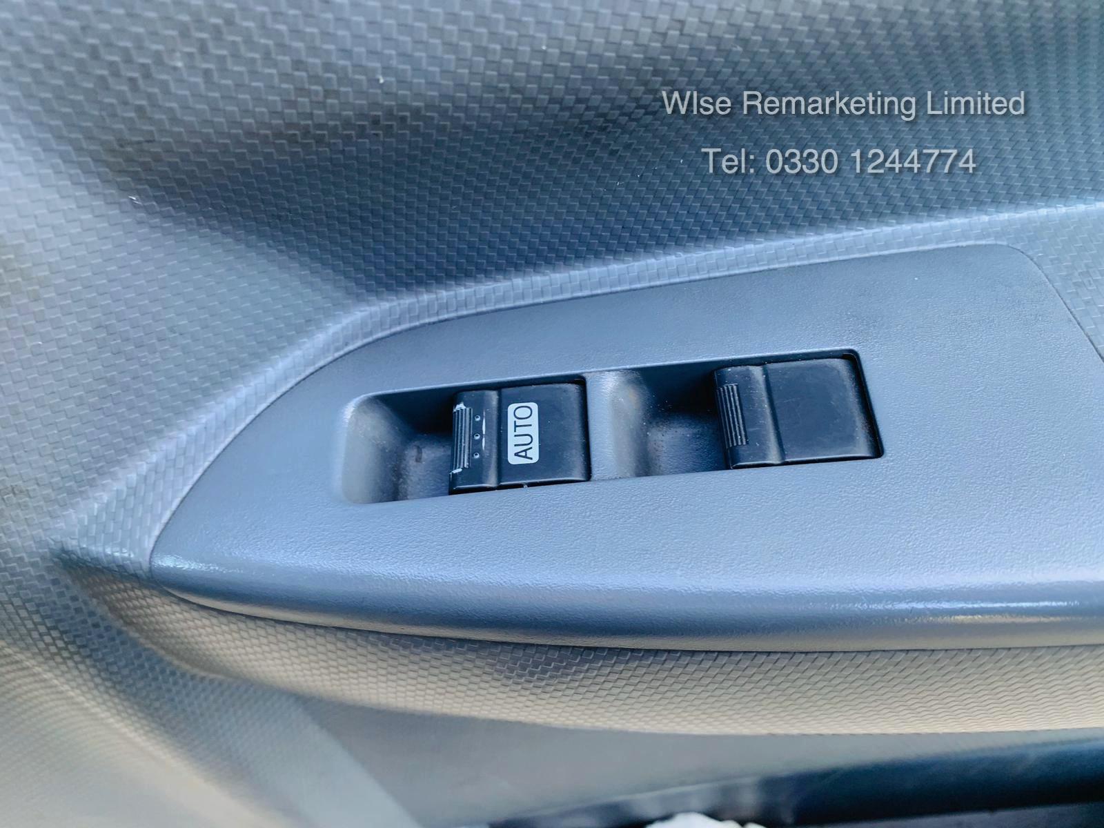 (RESERVE MET) Isuzu N75.190 NPR Automatic 16ft Curtainsider - 2013 Model - 1 Owner - Long MOT - Image 18 of 20