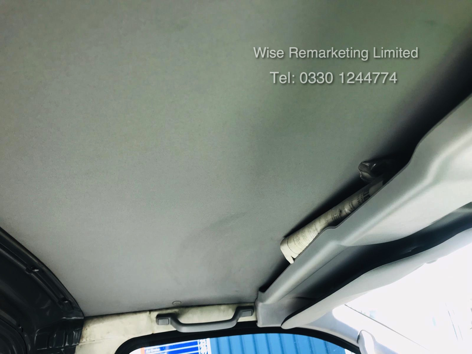 Toyota Hiace 300 GS 2.5 D4D - 2003 03 Reg - 1 Keeper From New - 3 Seater - Roof Rack - Image 11 of 15