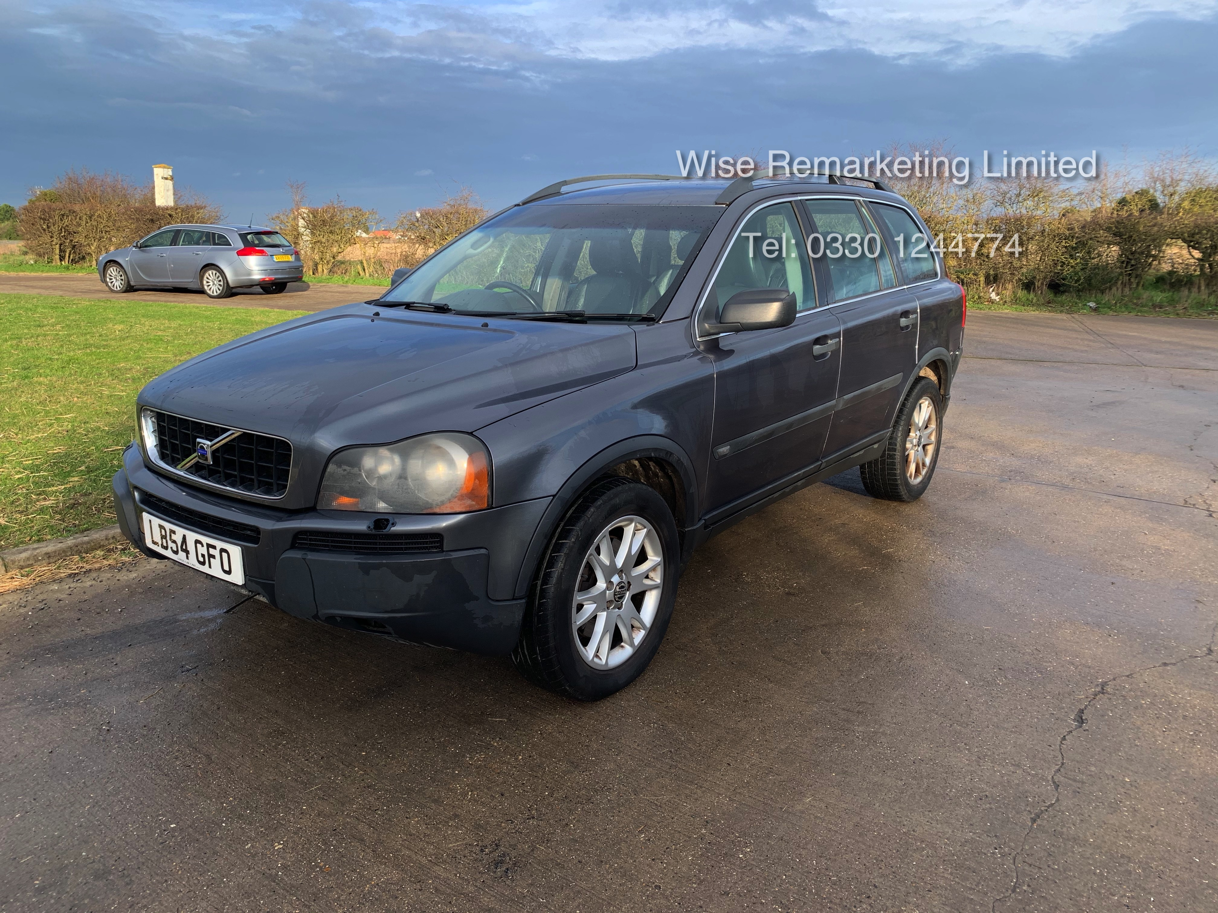 Volvo XC90 D5 2.4 Special Equipment Auto - 2005 Model - 7 Seater - Full Leather - - Image 2 of 21