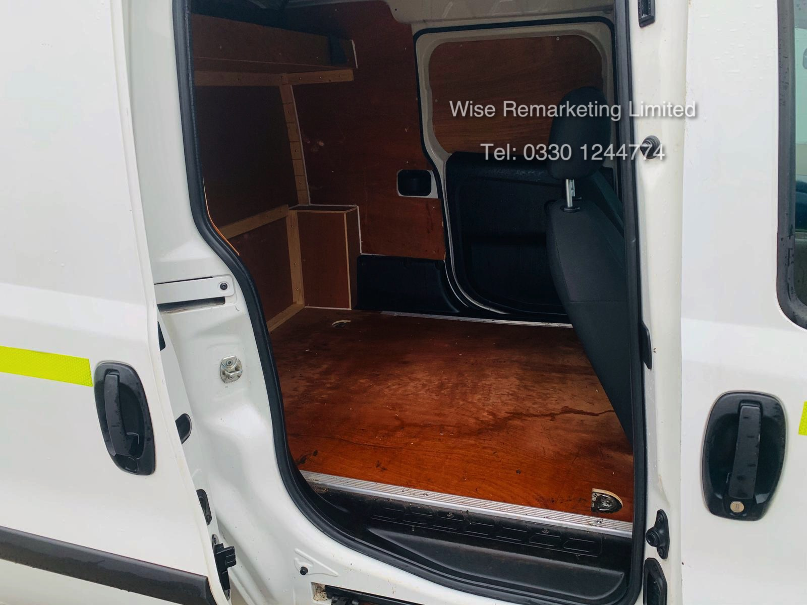Vauxhall Combo 2300 1.6 CDTI Long - 2016 Model - 1 Keeper From New - Twin Doors - Ply Lined - Image 9 of 21