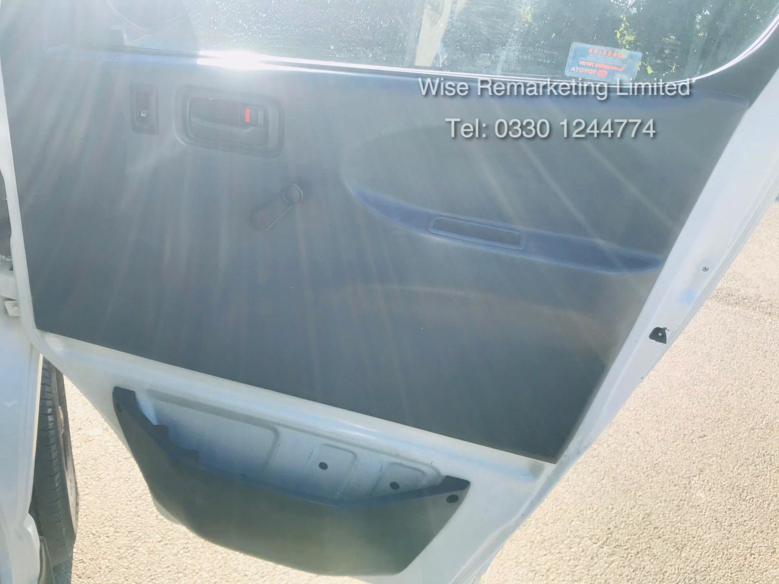 Toyota Hiace 300 GS 2.5 D4D - 2003 03 Reg - 1 Keeper From New - 3 Seater - Roof Rack - Image 14 of 15