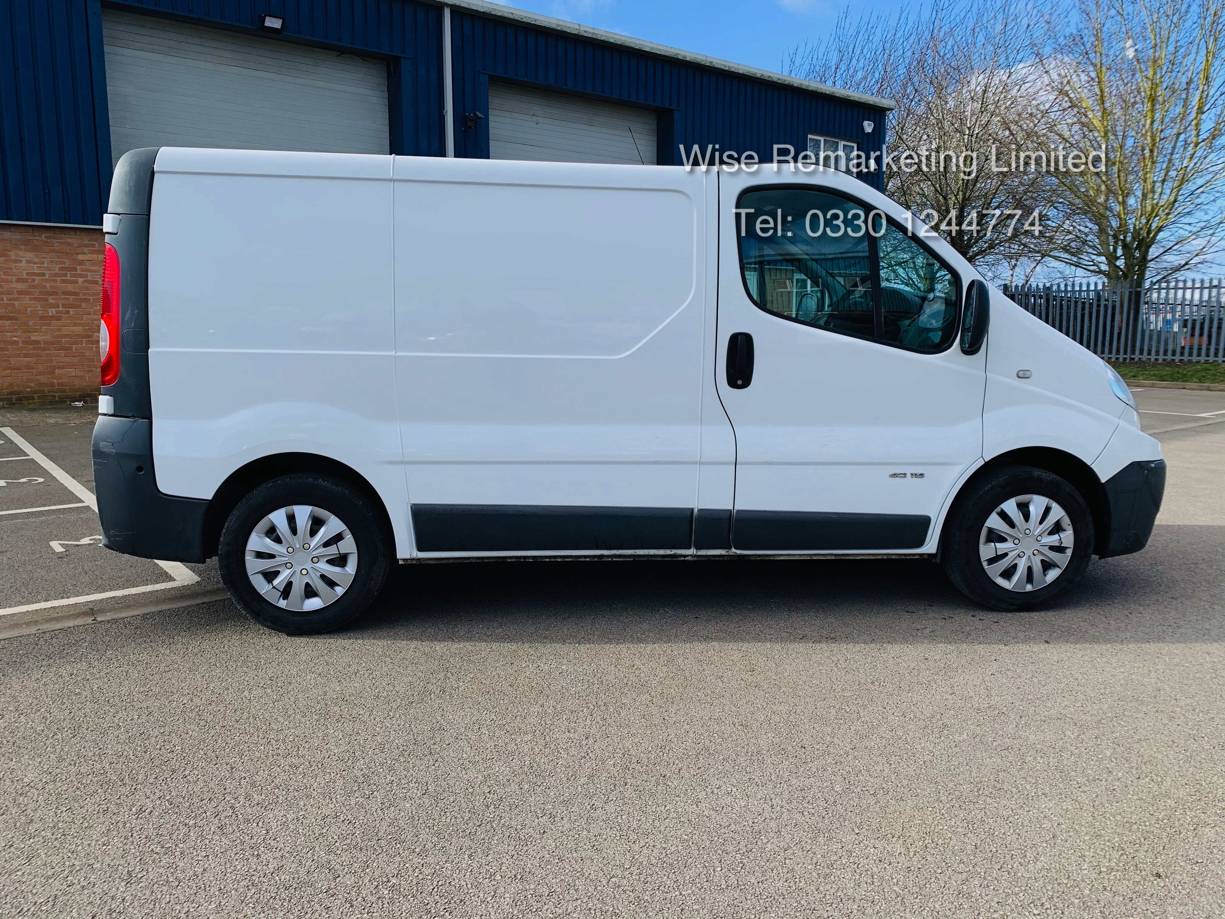 Renault Trafic 2.0 DCI (115 BHP) - 6 Speed - 2014 Reg - Ply Lined - - Image 8 of 21