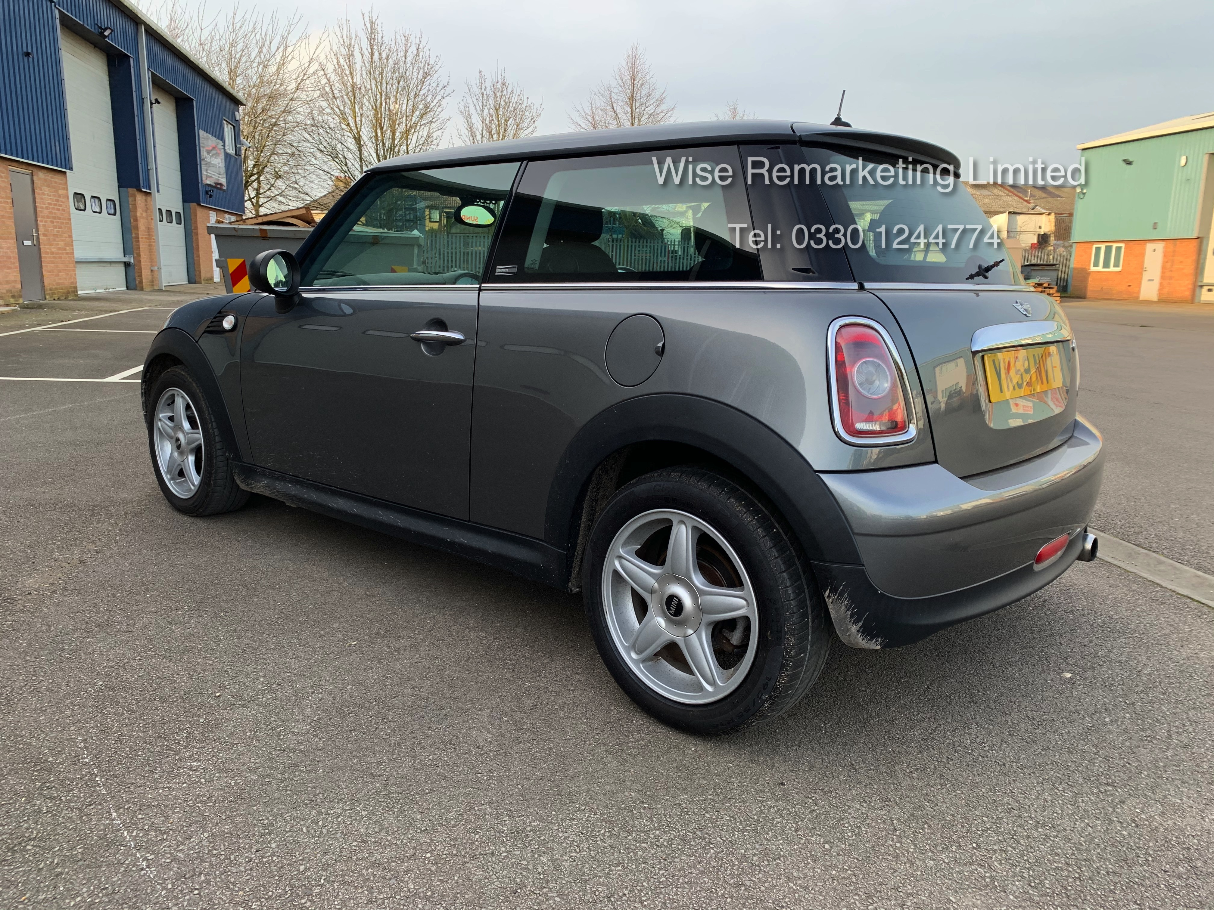 (RESERVE MET) Mini One Graphite 1.4 Petrol - 2010 Model - Service History - 6 Speed - Air Con - - Image 3 of 19