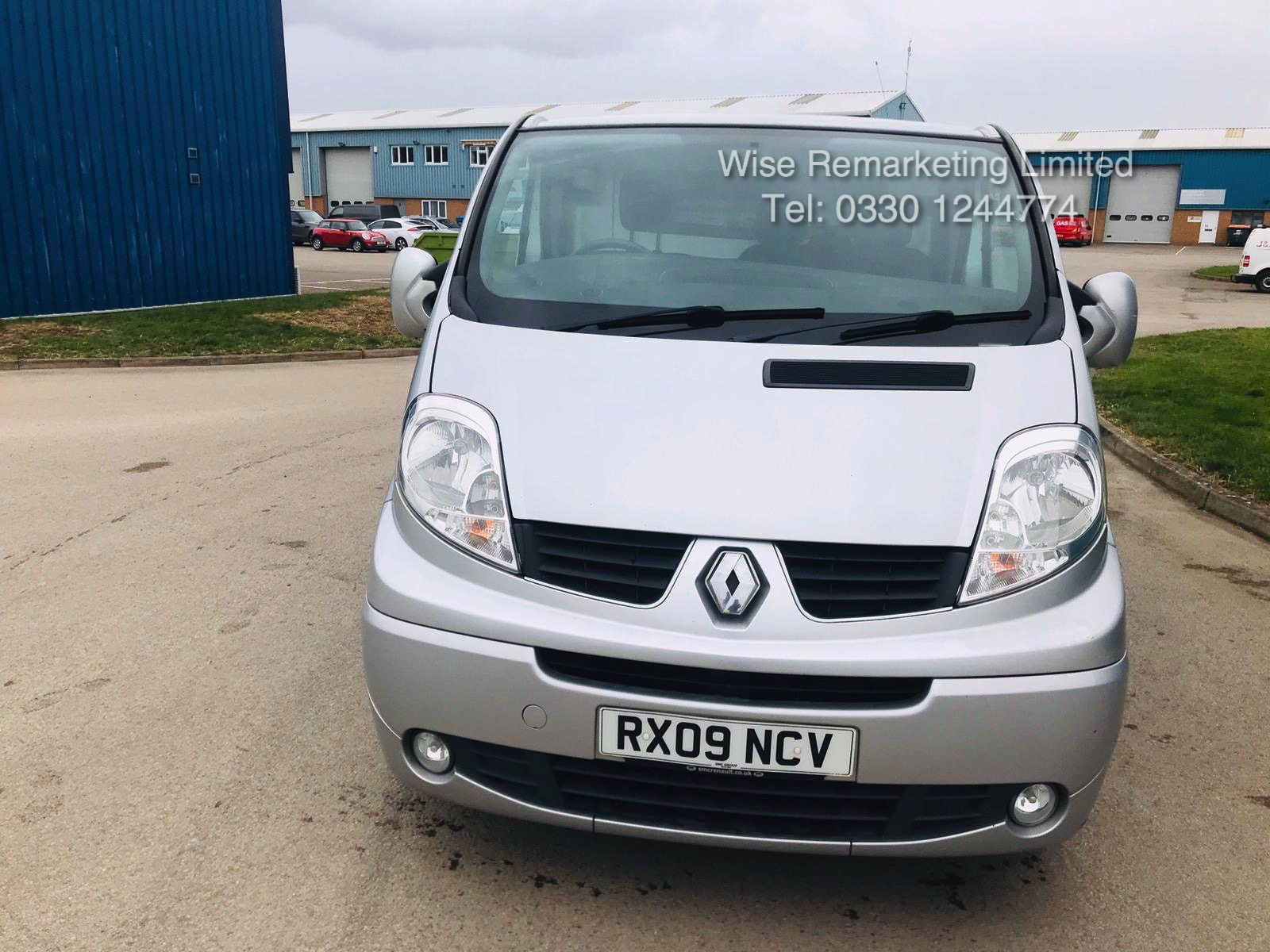 Renault Trafic Sport 2.0 DCI (115 BHP) **Automatic** - 2009 09 Reg - Air Con - Ply lined - Image 2 of 16