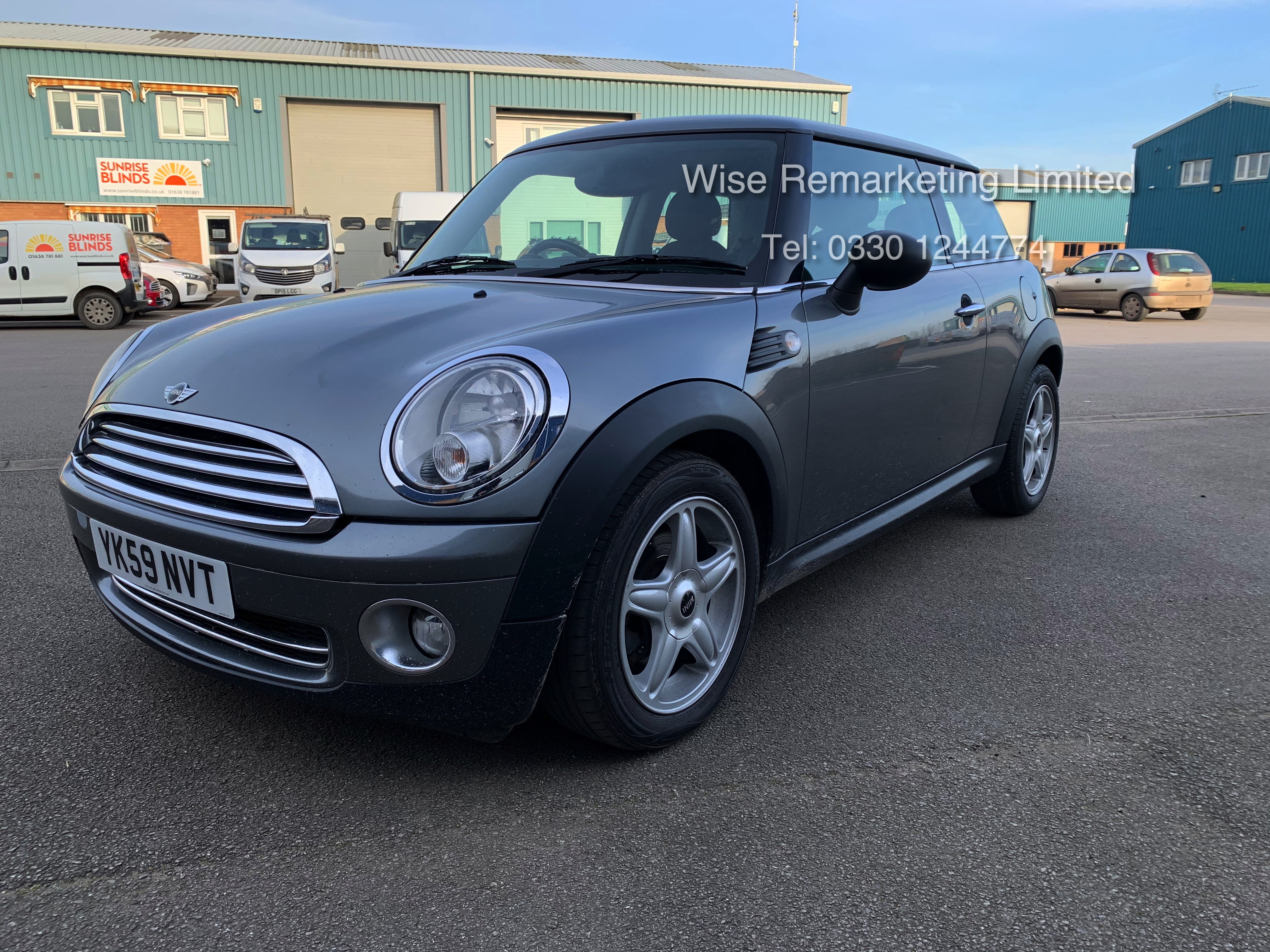 (RESERVE MET) Mini One Graphite 1.4 Petrol - 2010 Model - Service History - 6 Speed - Air Con - - Image 2 of 19