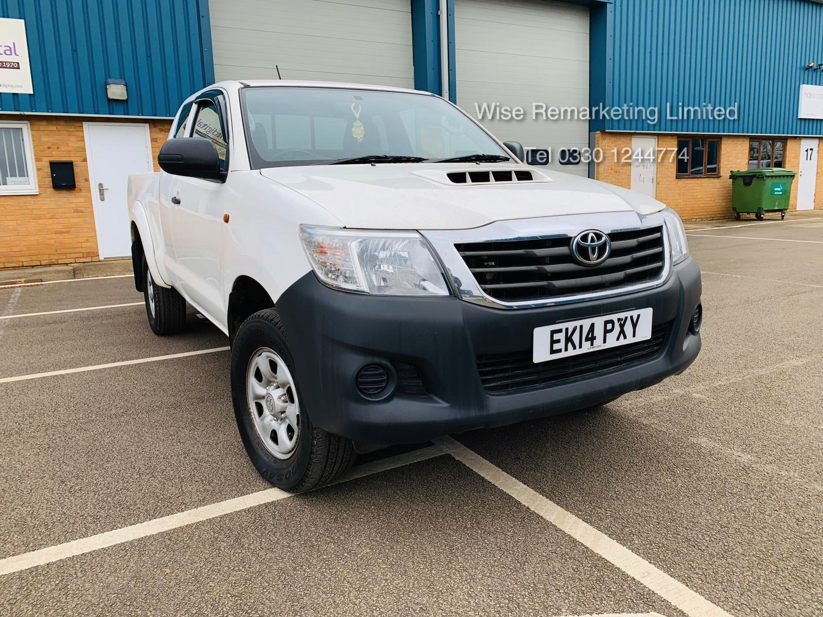 Reserve Met Toyota Hilux Active 2.5 D-4D 4X4 - 2014 14 Reg - Air Con - Tow Pack - SAVE 20% NO VAT - Image 7 of 17
