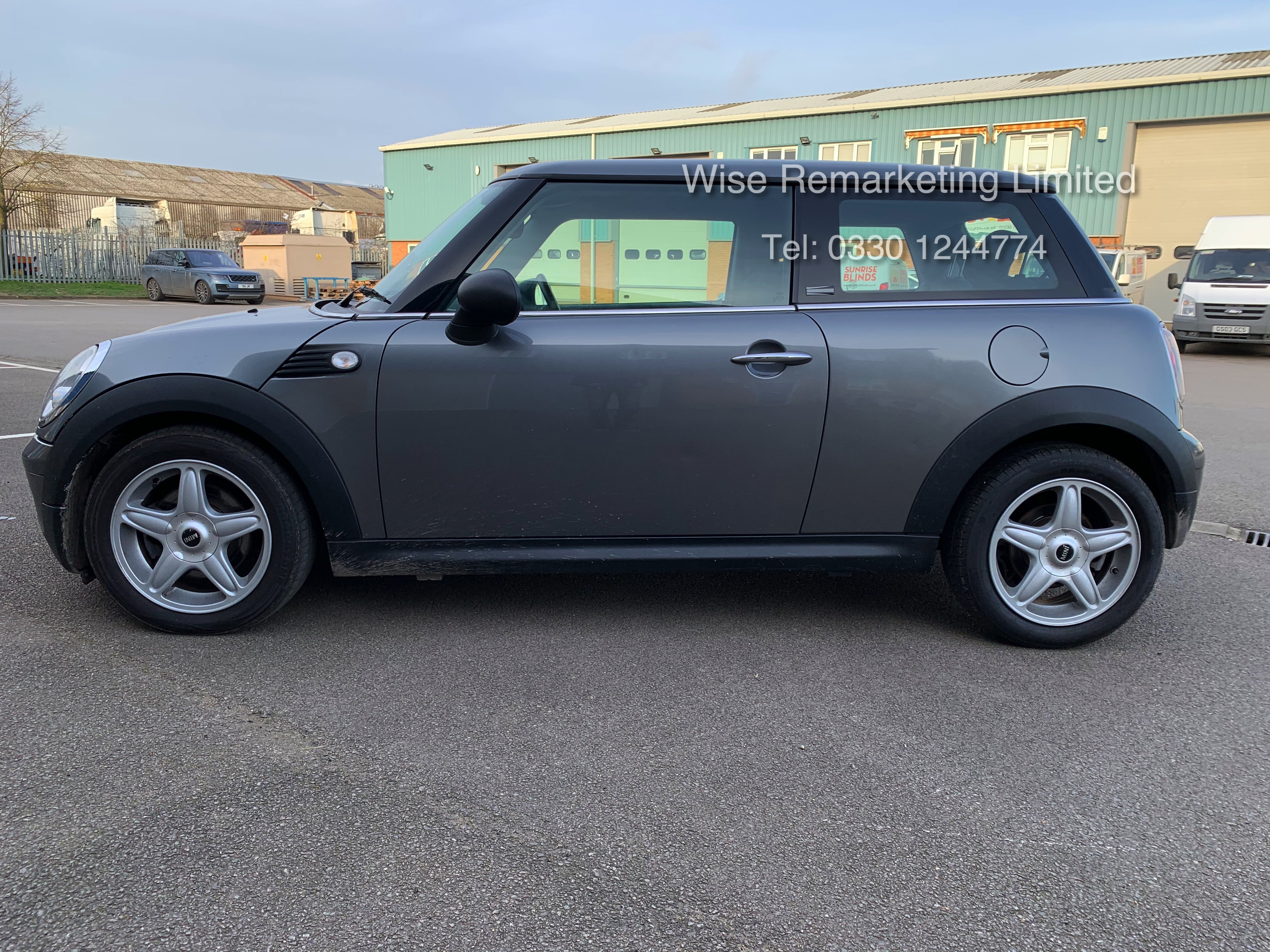 (RESERVE MET) Mini One Graphite 1.4 Petrol - 2010 Model - Service History - 6 Speed - Air Con - - Image 6 of 19