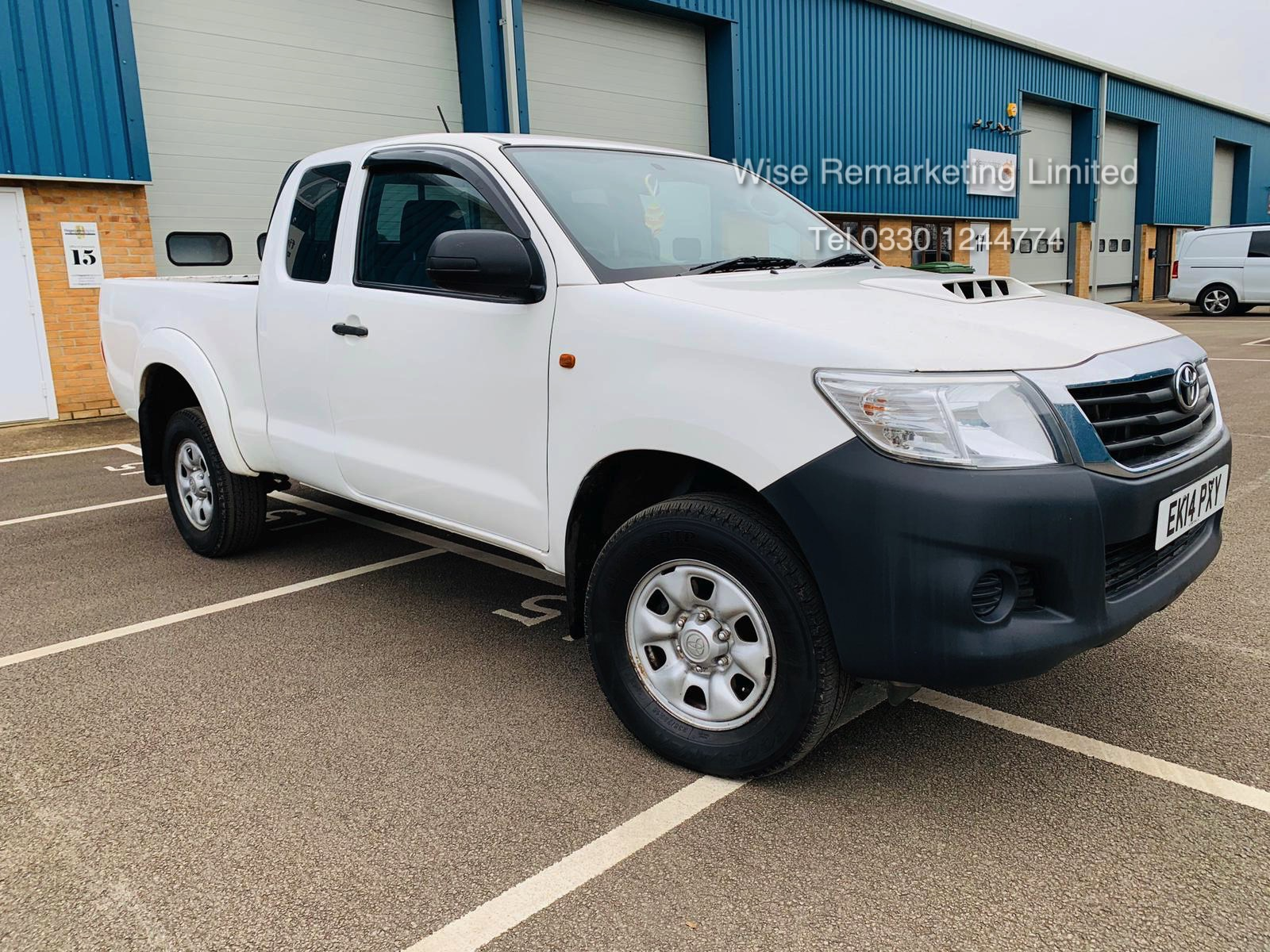 Reserve Met Toyota Hilux Active 2.5 D-4D 4X4 - 2014 14 Reg - Air Con - Tow Pack - SAVE 20% NO VAT - Image 2 of 17