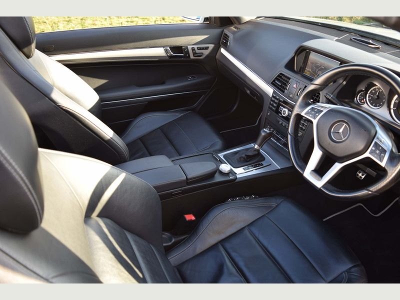 Mercedes E250 CDI Convertible Sport Tip Auto - 2013 Model - Service History - - Image 4 of 7