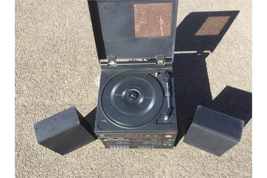 A Hinari Midi hi-fi system with turntable, cassette deck
