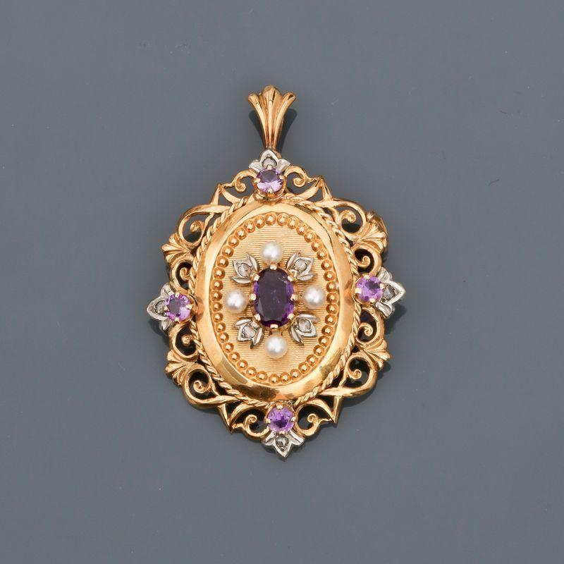 Broche - pendentif en or jaune, 750 MM, ornée d' améthystes et petites perles, [...]