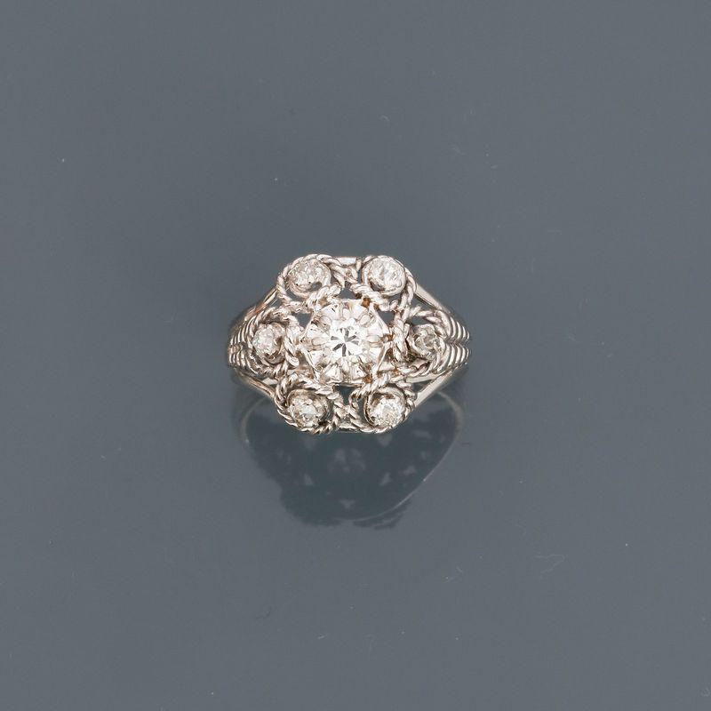 """Bague """" marguerite """" en or gris, 750 MM, recouverte de diamants, taille : 51, poids : [...]"""