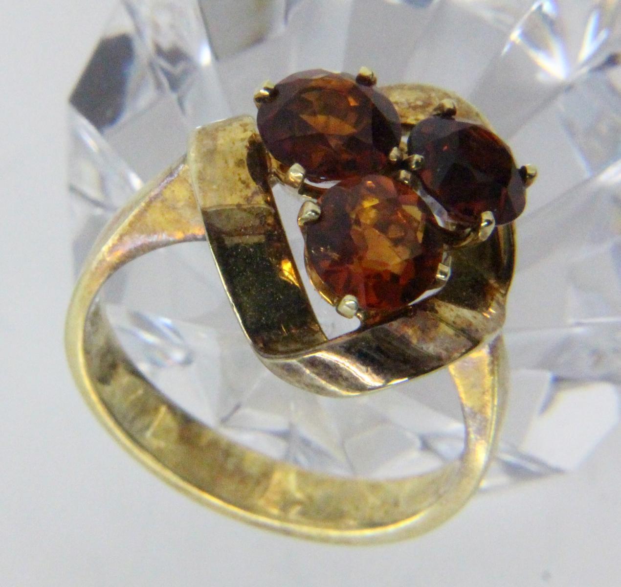 DAMENRING585/000 Gelbgold mit 3 Madeiracitrinen. Ringgr. 57, Brutto ca. 6,6gA LADIES RING 585/000