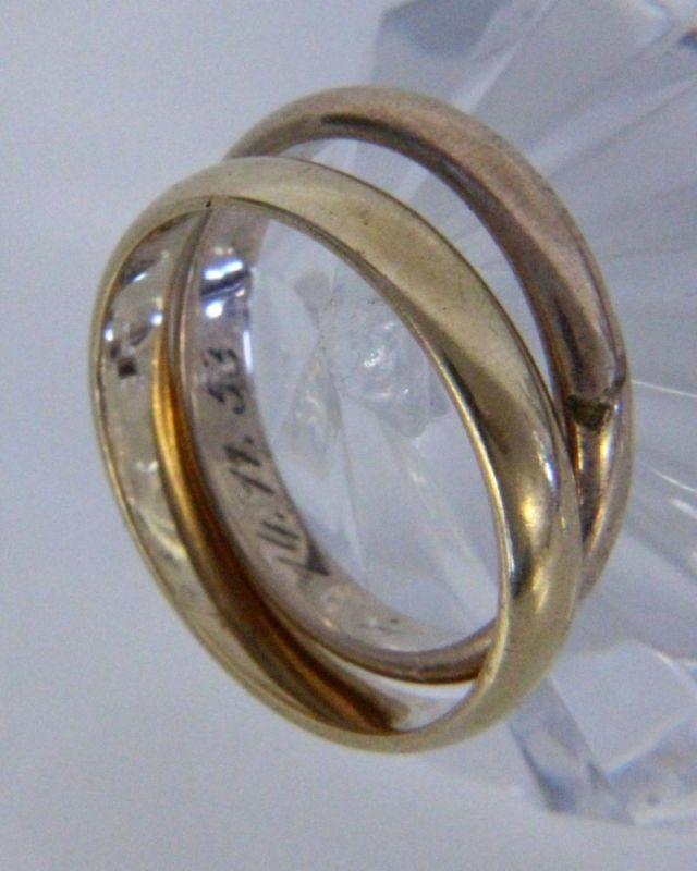 PAAR EHERINGE333/000 Gelbgold. Ringgr. 52 und 56. Brutto ca. 5gA PAIR OF WEDDING RINGS 333/000