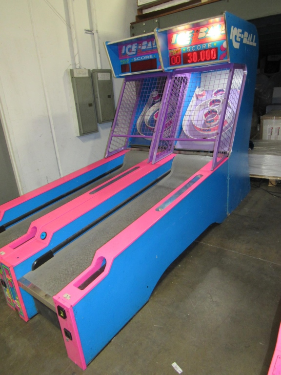 Lot 128 - ICE-BALL ALLEY ROLLER REDEMPTION GAME by I.C.E.