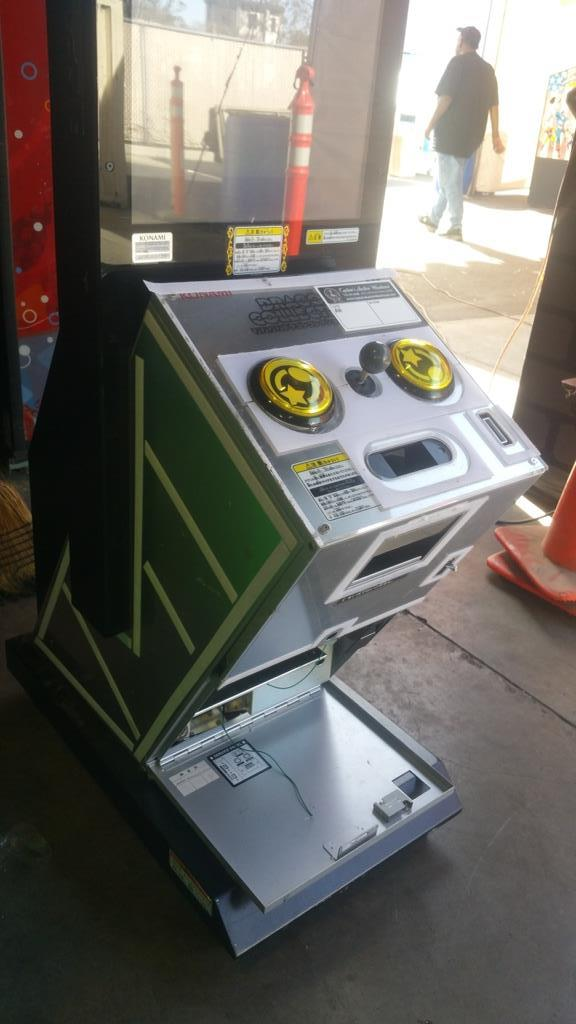 60 IN 1 UPRIGHT LCD MONITOR ARCADE GAME - Image 3 of 3