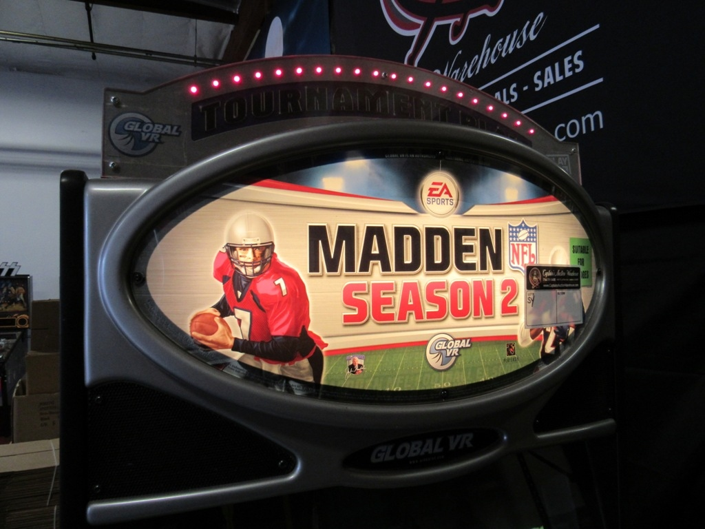 Lot 106 - MADDEN FOOTBALL SEASON 2 FOUR PLAYER ARCADE GAME