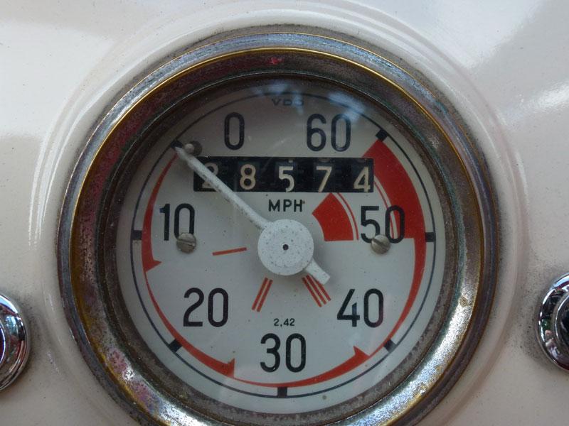 Lot 10 - 1961 BMW Isetta 300