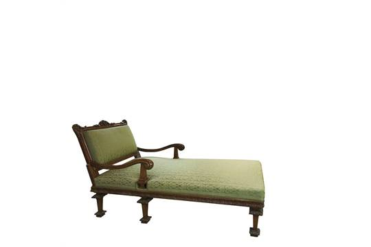 Walnut Louis XIV style chaise longue. Chaiselongue estilo Luis XIV on louis xiv french furniture, louis xiv fauteuil, louis xiv bergere, louis xiv style furniture,