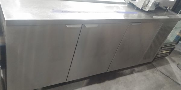 """Lot 25 - MKE 72"""" Refrigerated Prep Table"""