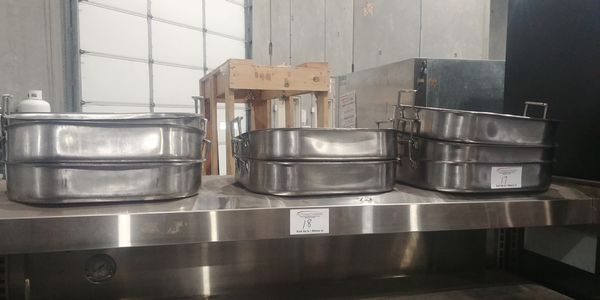 Lot 17 - 8 Stainless Steel Roasting Pans