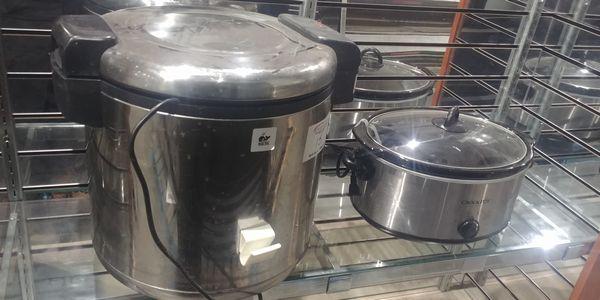 Lot 15 - Tiger Rice Cooker and Crock Pot