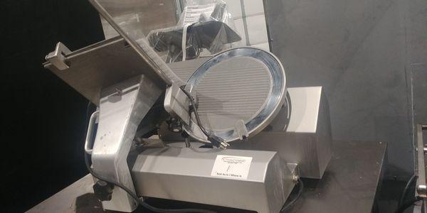 Lot 1 - Scharfen Model ES200 Electric Slicer