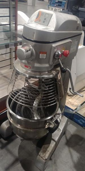 Lot 19 - Axis 30 Quart Mixer with 3 Attachments and Bowl Guard