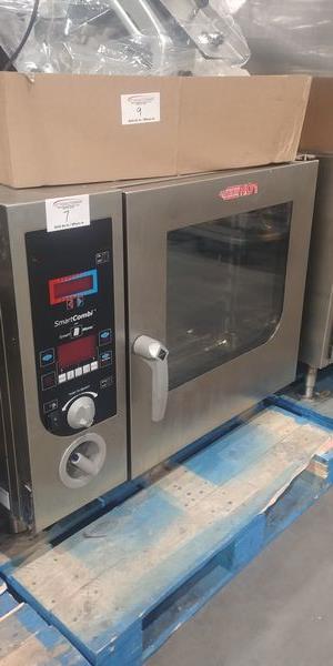 Lot 7 - Henny Penny Model ESC-615 Combi Oven