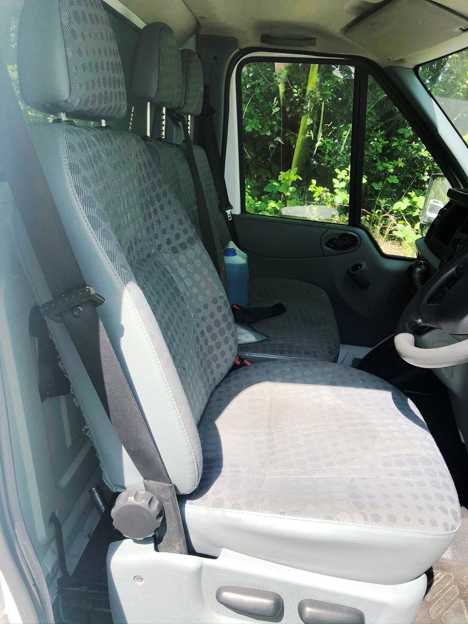 White Ford Transit 155 T350 RWD 3.5T w/ Tail Lift | Reg: CV13 TVM | Mileage: 91,513 - Image 4 of 8