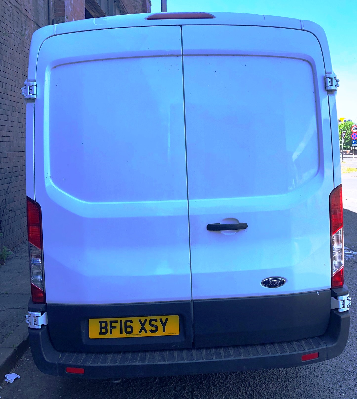 White Ford Transit 350 Econetic Tech Panel Van | Reg: BF16 XSY| 7 Seater | Mileage: 46,808 - Image 6 of 9