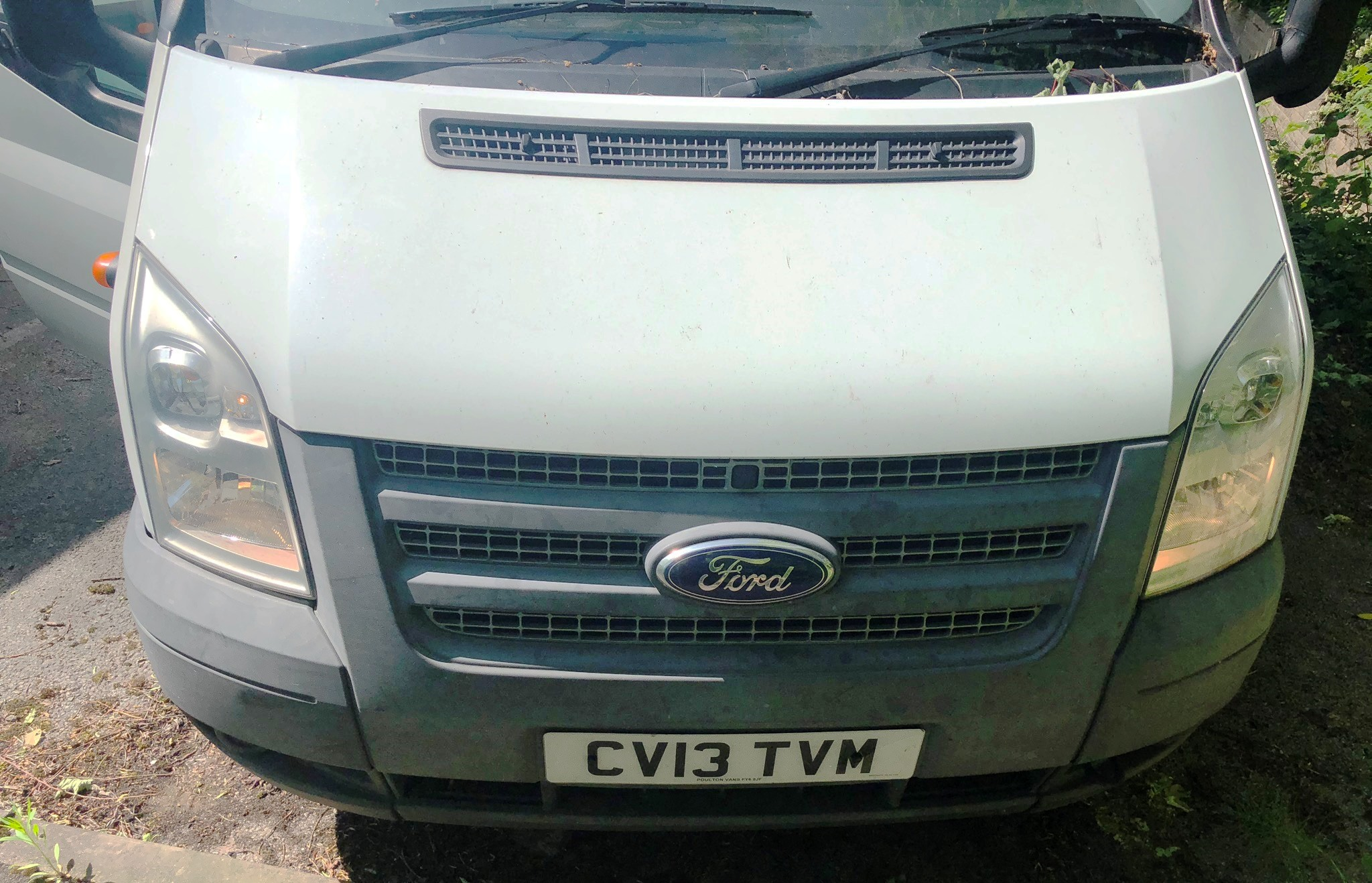 White Ford Transit 155 T350 RWD 3.5T w/ Tail Lift | Reg: CV13 TVM | Mileage: 91,513 - Image 3 of 8