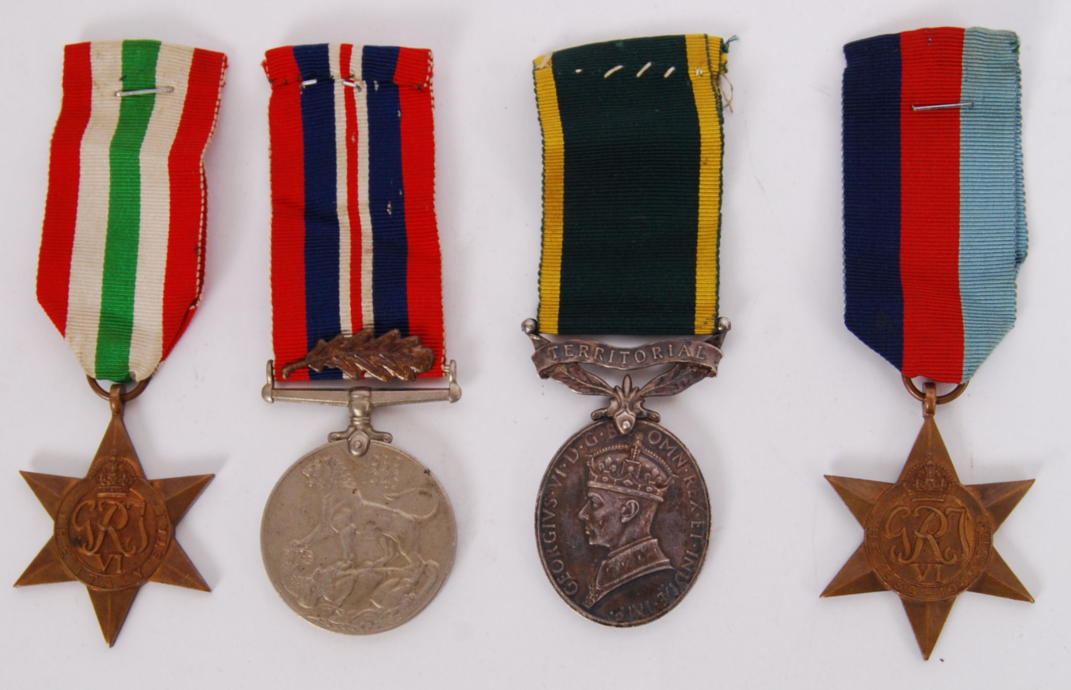 Lot 40 - WWII MEDAL GROUP