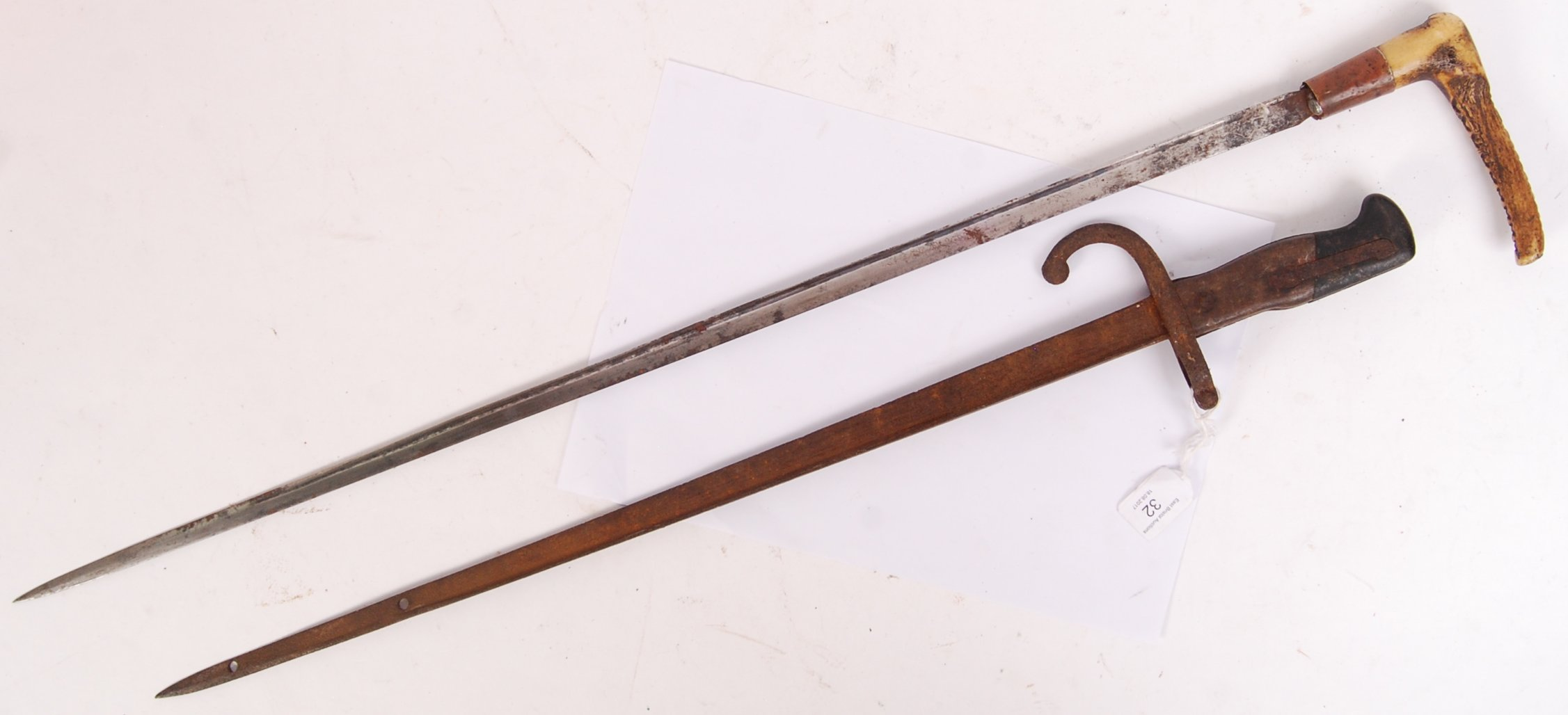 Lot 32 - BAYONET & SWORD STICK