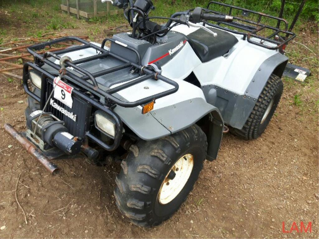 Lot 9 - 1993 400 Kawasaki 4x4 Quad sn JKALFXB10PB501797 1233kms showing, Liquid Cooled Eng, w/winch