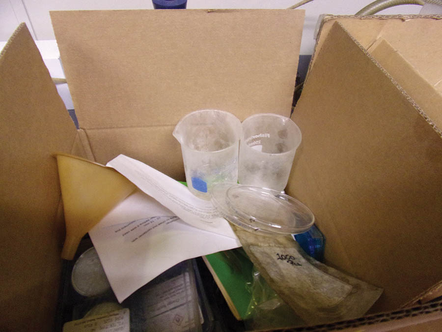 LABORATORY EQUIPMENT, FLASKS, BEAKERS, PIPETTES - Image 2 of 2