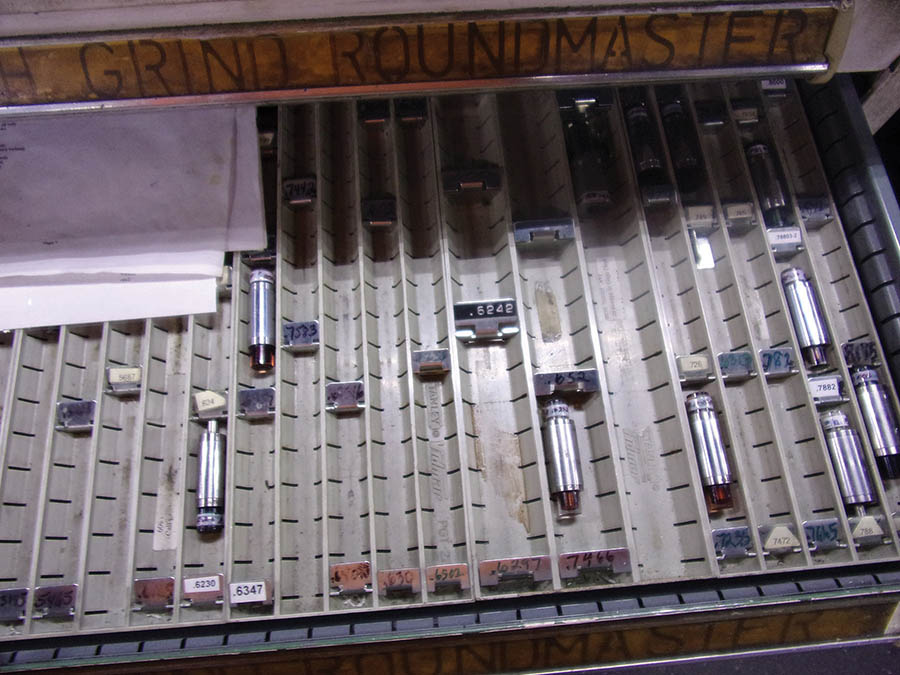6-DRAWER VIDMAR CABINET WITH PIN GAUGES, GRIND ROUNDMASTERS - Image 4 of 4